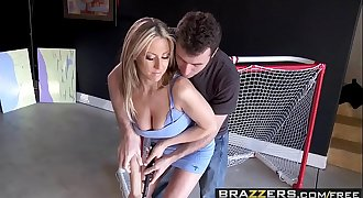 Brazzers - Milfs Like it Big -  Selling Yourself Lengthy scene starring Carolyn Reese &amp_ James Deen