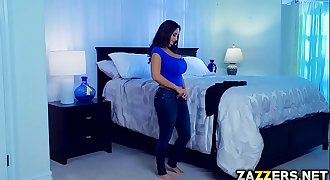 Slutty Adriana bangs with Mummy Ava in the bedroom